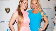 coco-austin-sister-kristy-acroyoga0