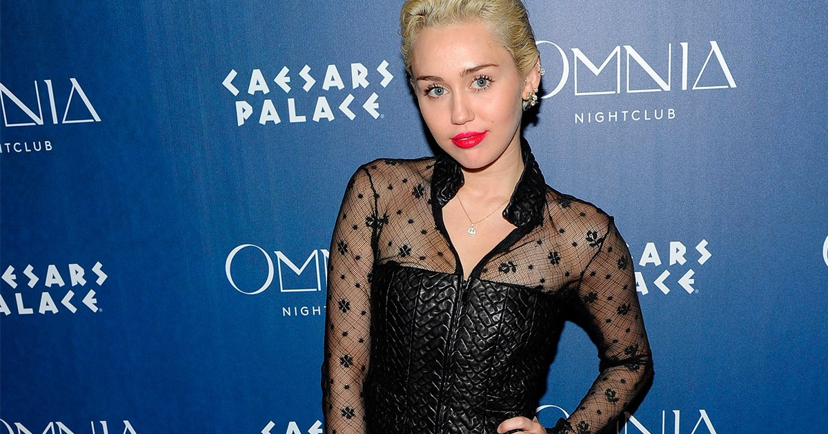 Miley Cyrus Goes Topless While Grabbing Her Crotch! - In ...