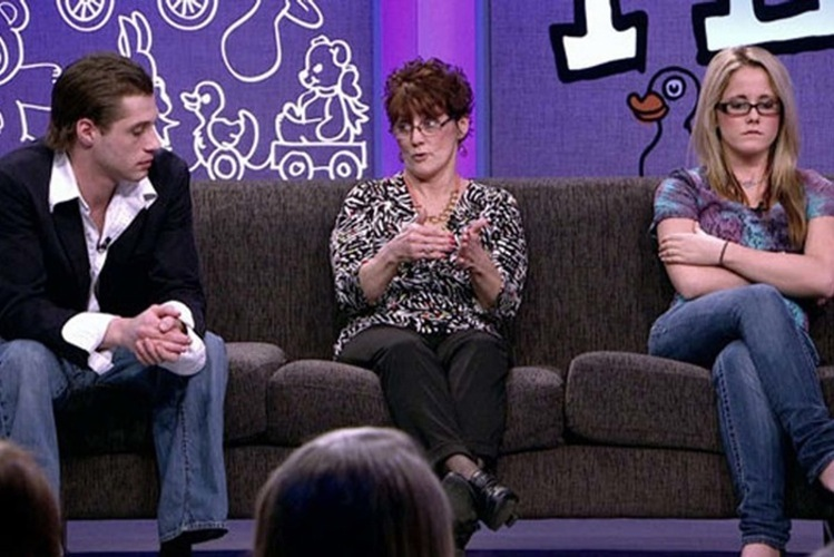 Andrew Lewis Talks With Jenelle and Barbara Evans on MTV