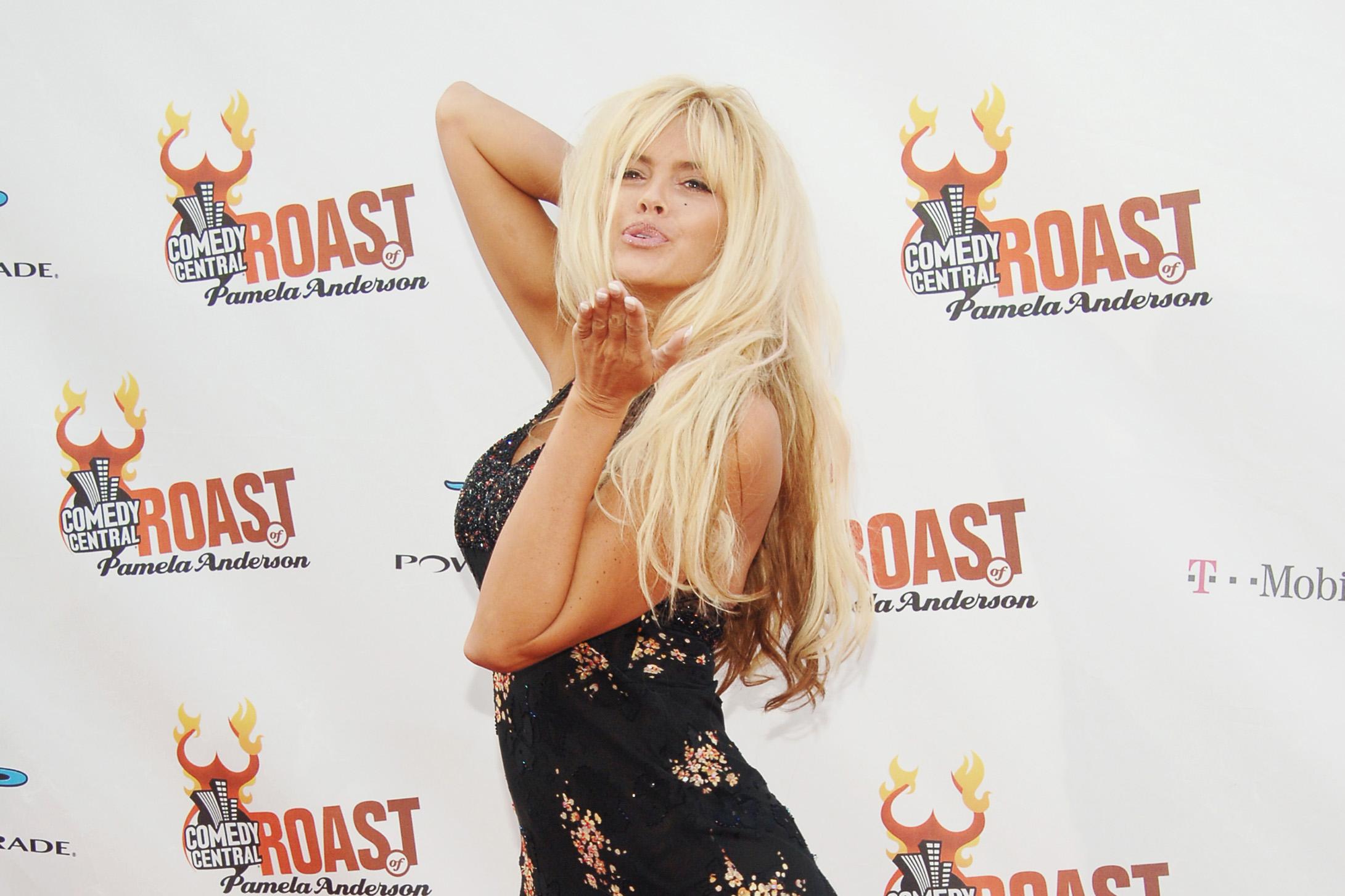 pics Demi lovato sexy 2