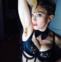 madonna-hairy-armpit