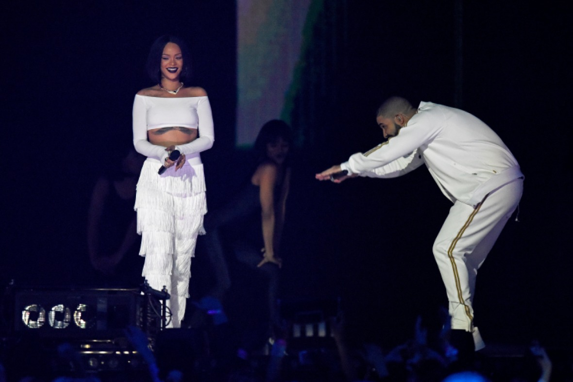 drake rihanna getty images