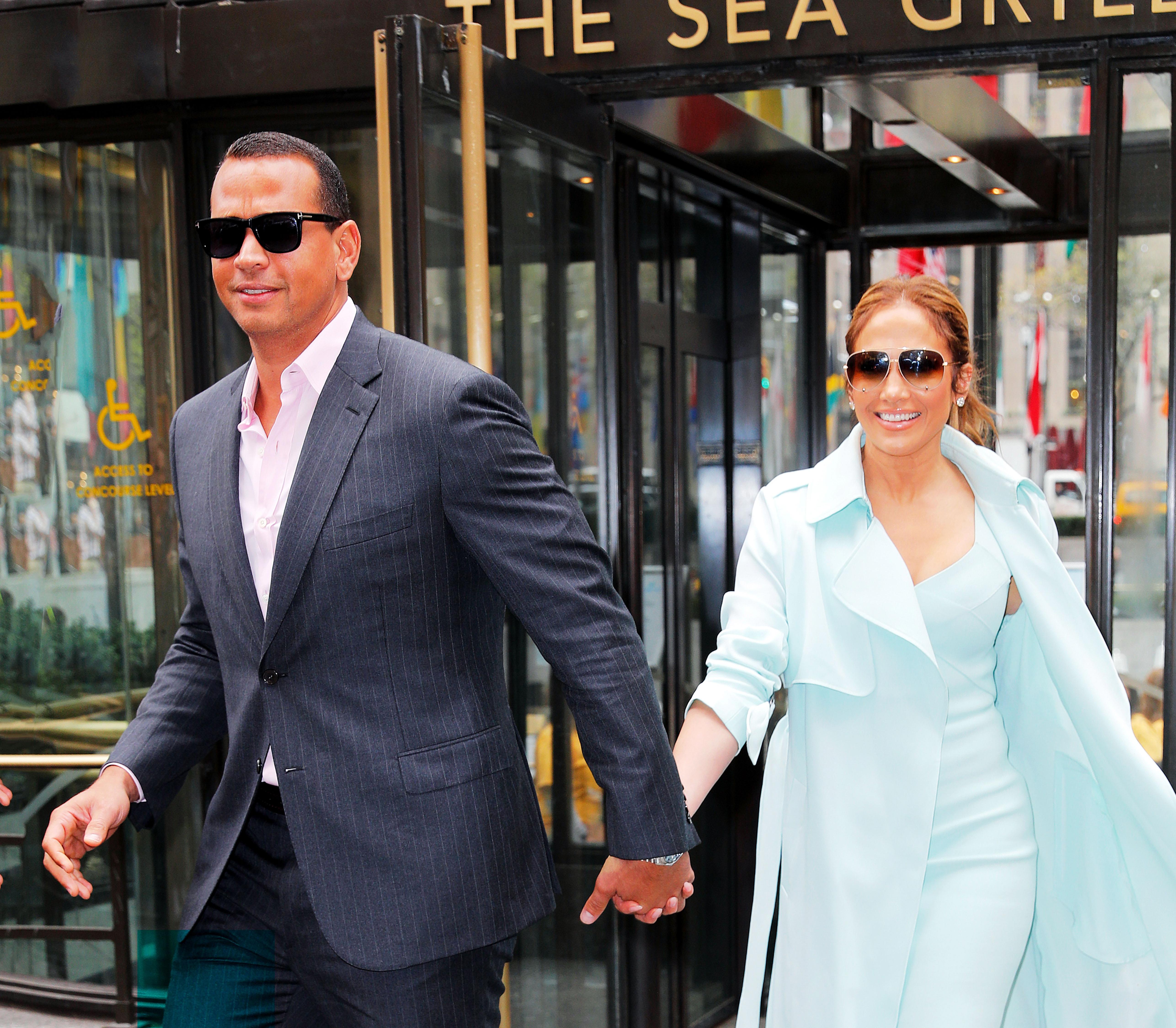 Jennifer Lopez dating Kat Graham og Joseph Morgan dating