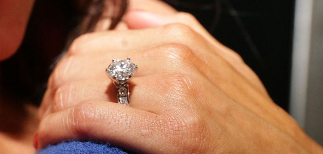nikki bella engagement ring wwe