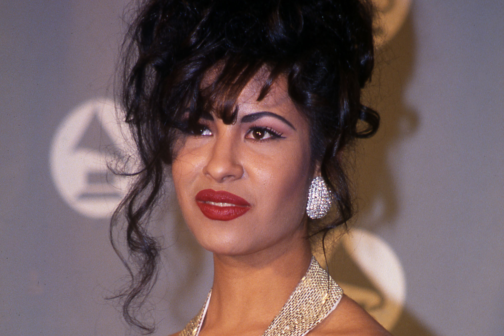Selena Quintanilla What Fans Still Question About Her Passing