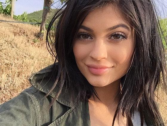 kylie jenner selfie no makeup