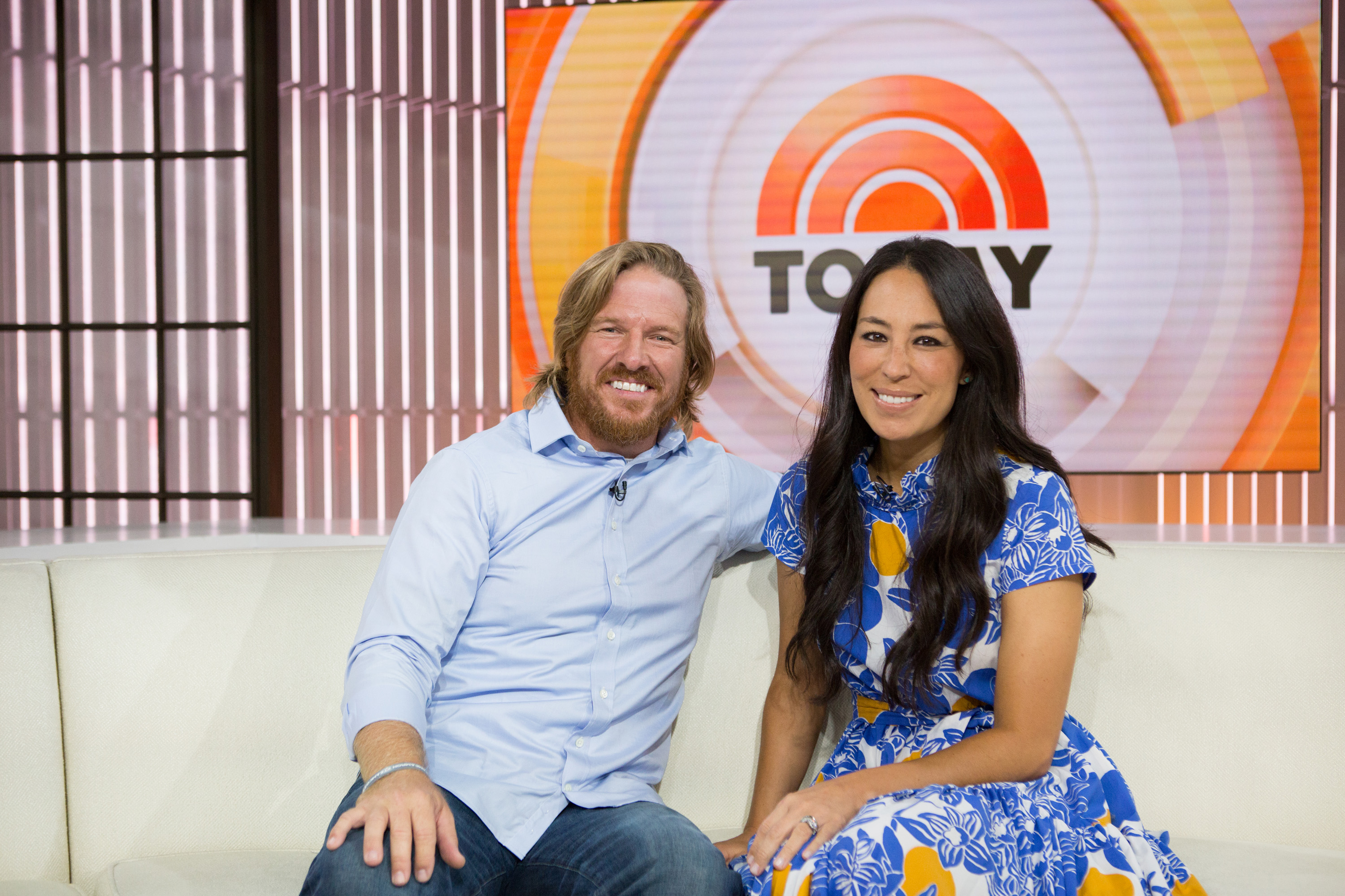 Fixer Upper Stars Chip And Joanna Gaines Face Backlash From Target Deal