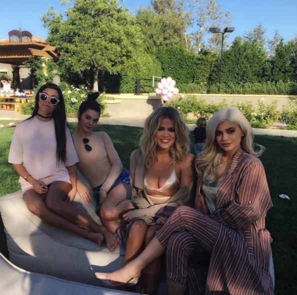 where-do-kardashians-live-in-ca