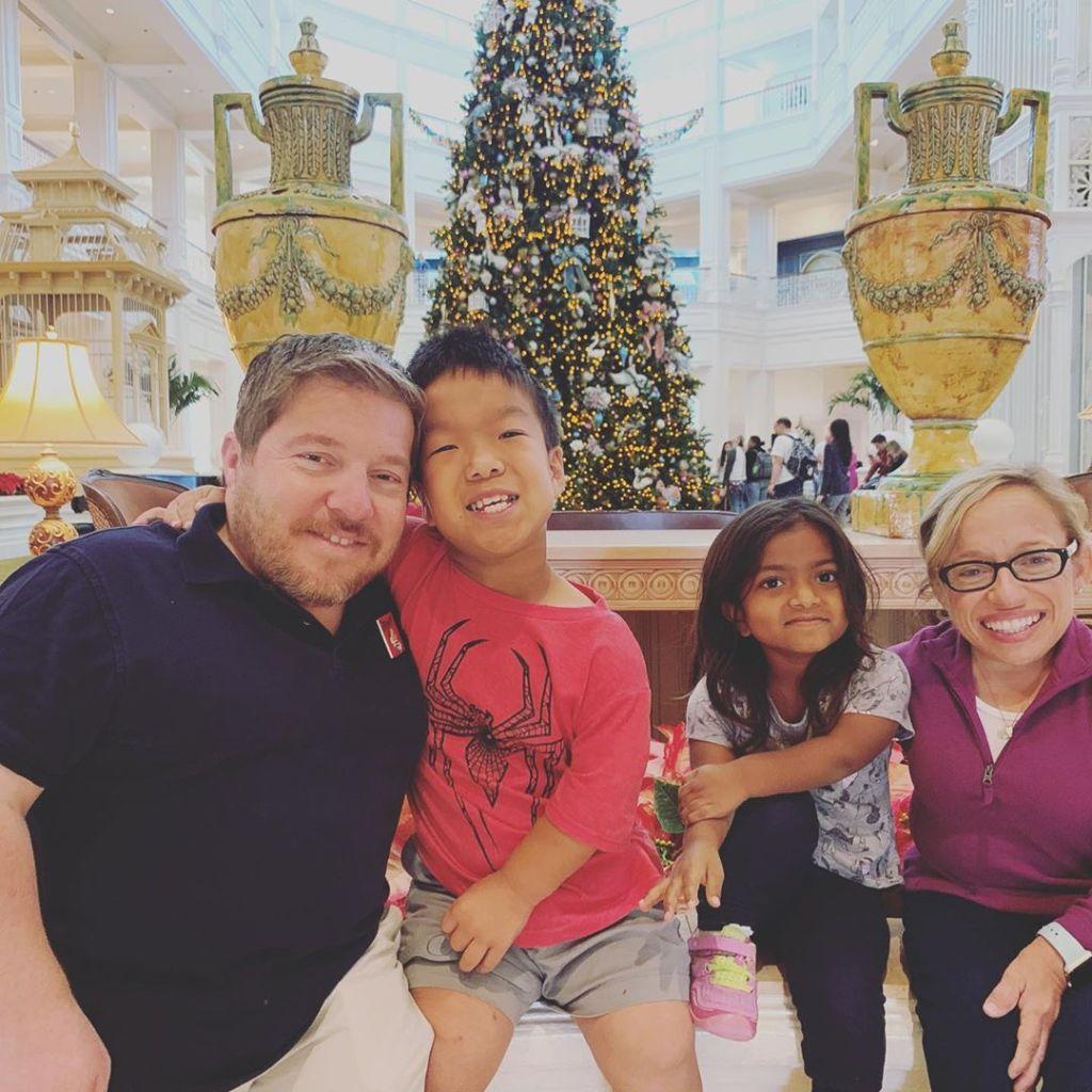 bill klein jen arnold and their kids at disney