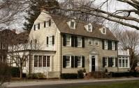 the-amityville-horror-house-amityville-ny