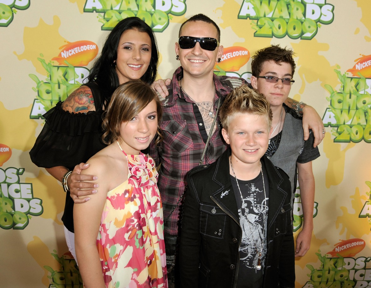 chester bennington family