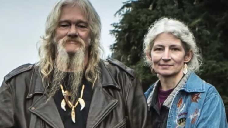 'Alaskan Bush People' Stars Billy and Ami Brown Feel It's 'Their Own Fault' the 'Family Is So Divided'