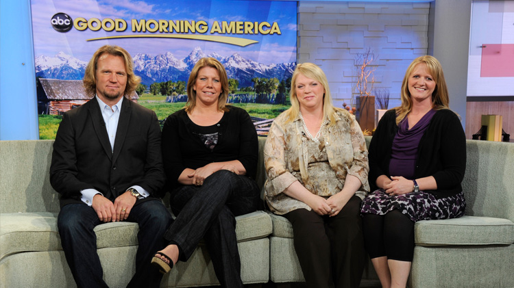 Sister Wives Star Janelle Brown Flaunts Weight Loss