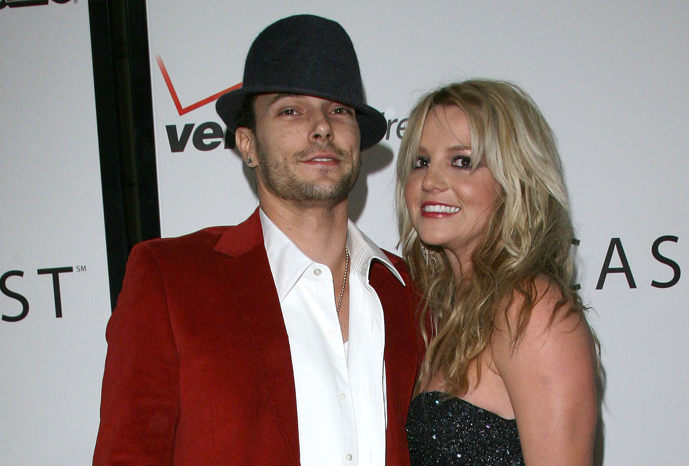 Kevin federline raps in public at teen choice awards nudes (69 pictures)