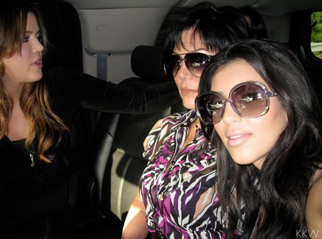 khloé kardashian jail selfie kimkardashianwest.com