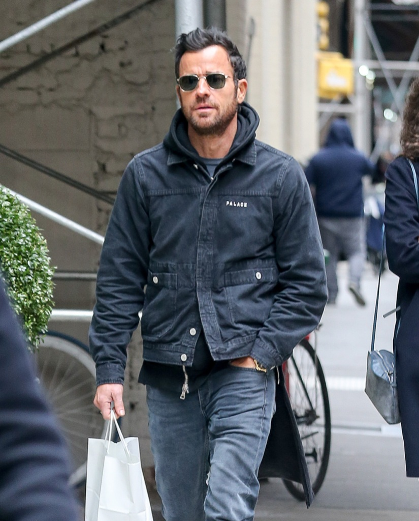 justin theroux on a walk