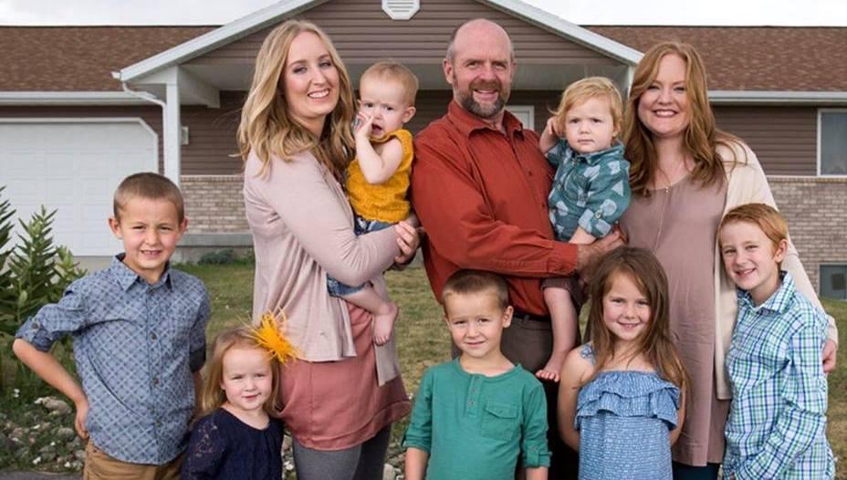 the-alldredge-family-seeking-sister-wife