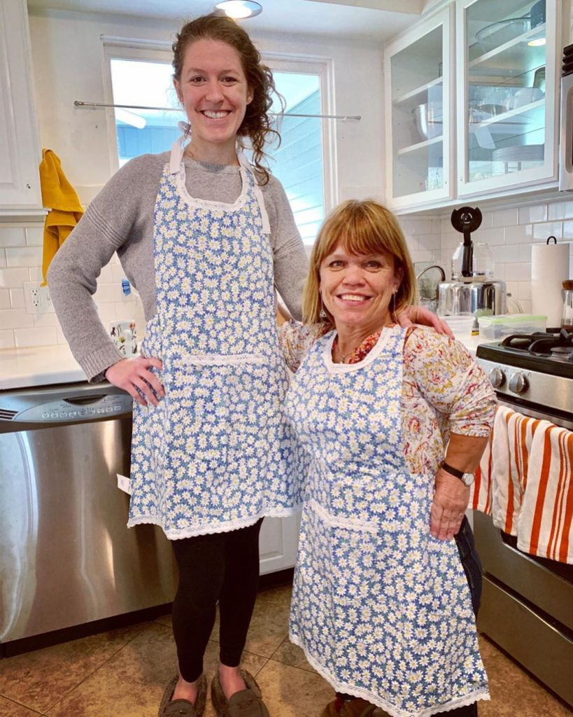 molly and amy roloff in aprons