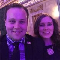 Josh and Anna Duggar Take Selfie