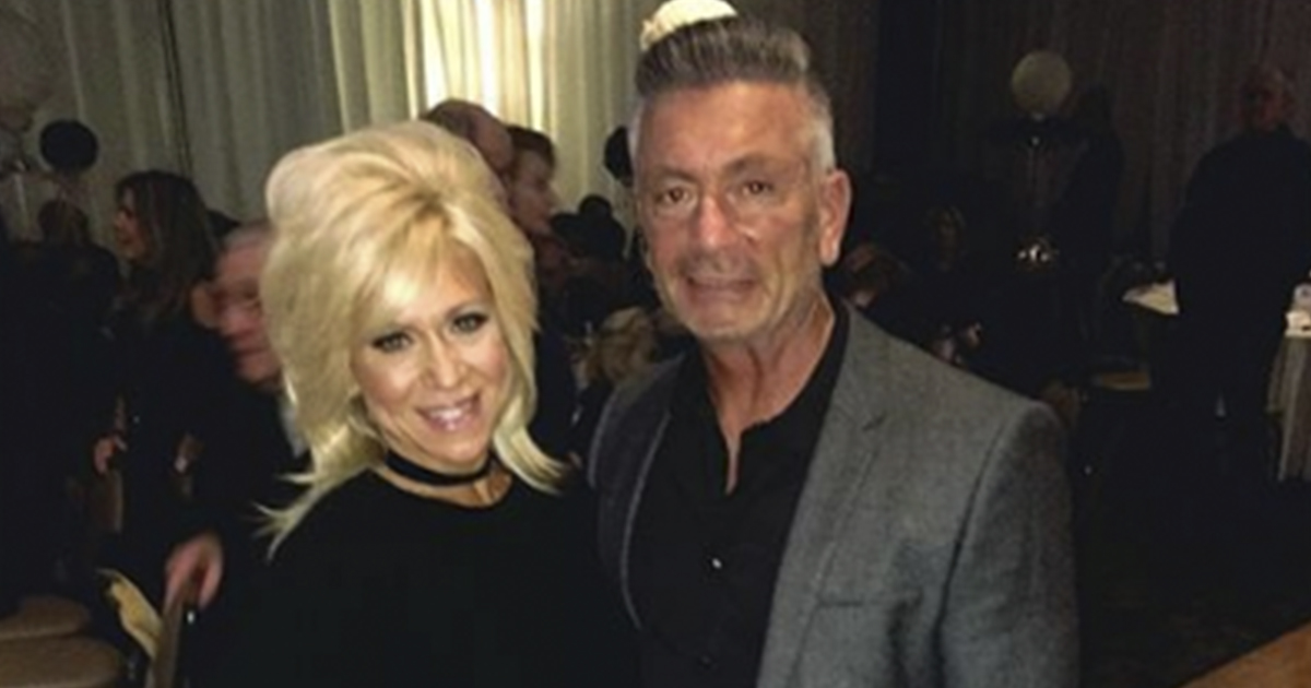 The Long Island Medium S Husband Moves On With Other Woman Amid Divorce