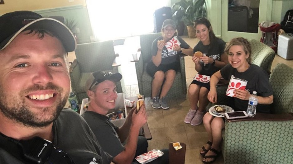 The Duggars Eat Chick-fil-A While Volunteering in Bahamas
