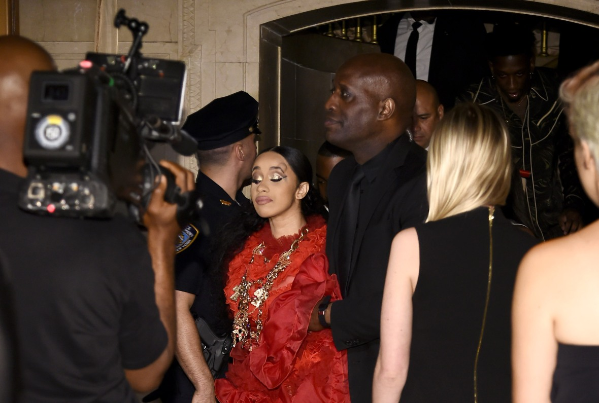 cardi b leaves nyfw party with head bump after nicki minaj fight