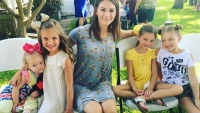 Danielle Busby from OutDaughtered with her daughters