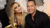Jennifer Lopez And Alex Rodriguez Smiling