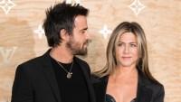 Justin Theroux Looks At Jennifer Aniston