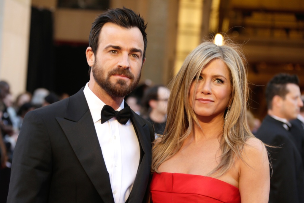 Jennifer and Justin Theroux at an event