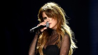 Selena Gomez therapy