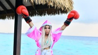 farrah abraham celebrity boxing maldives
