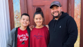 jon gosselin collin hannah christmas tree pic