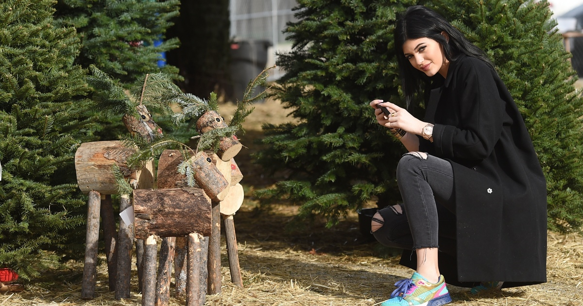 Kylie Jenner Purposefully Got A Bigger X Mas Tree Than Kim Kardashian