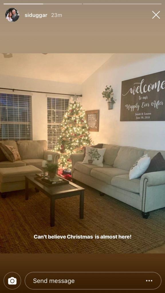 Josiah and Lauren Duggar Show Snap Of Their Home