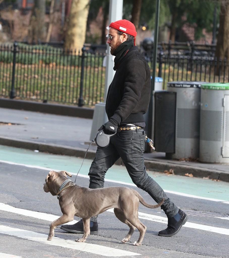 Jennifer Aniston Ex Justin Theroux Walking Dog Alone NYC