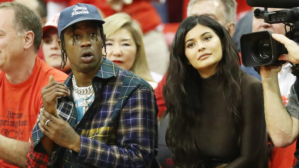 Kylie Jenner responds to Travis Scott cheating photo