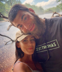 Jenelle Evans with David Eason wearing a hat