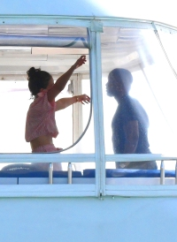 atie Holmes and boyfriend Jamie Foxx kiss while spending New Year's weekend together on a private yacht in Miami seo: Katie Holmes and Jamie Foxx Kiss On Yacht In Miami