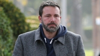 Ben Affleck Appears Tired During Stroll With Daughter Seraphina
