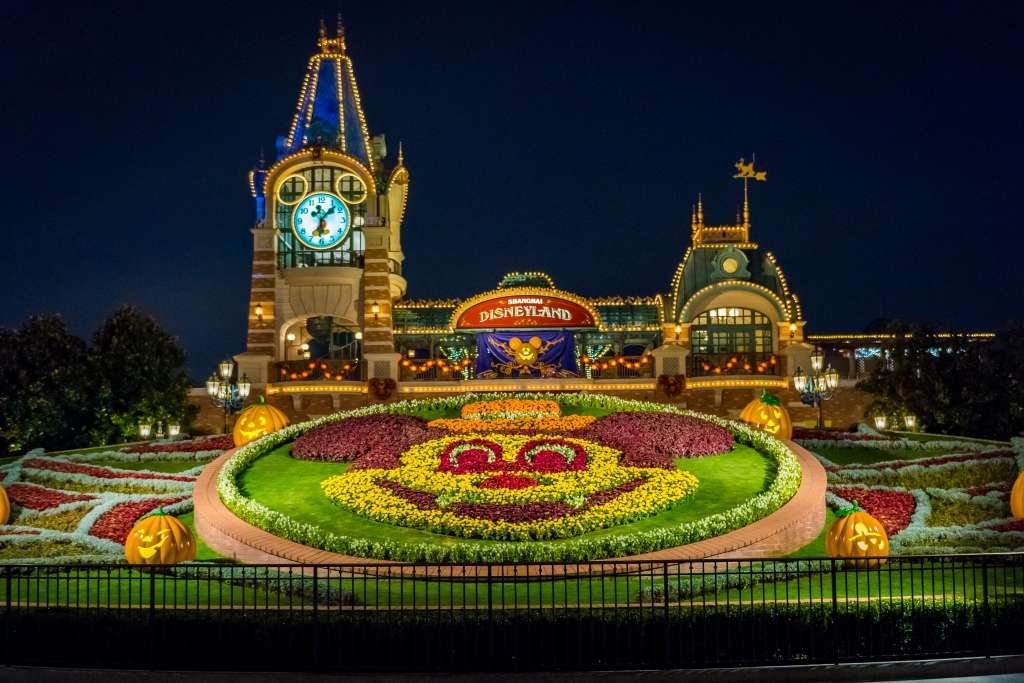 Disneyland decorated for Halloween