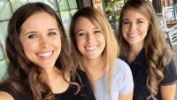 Jessa and Jana Duggar Smile For Selfie With Laura DeMasie