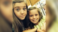 Joy Anna Duggar Takes Selfie With Younger Sister Johannah