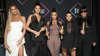 2018 E! People's Choice Awards - Backstage