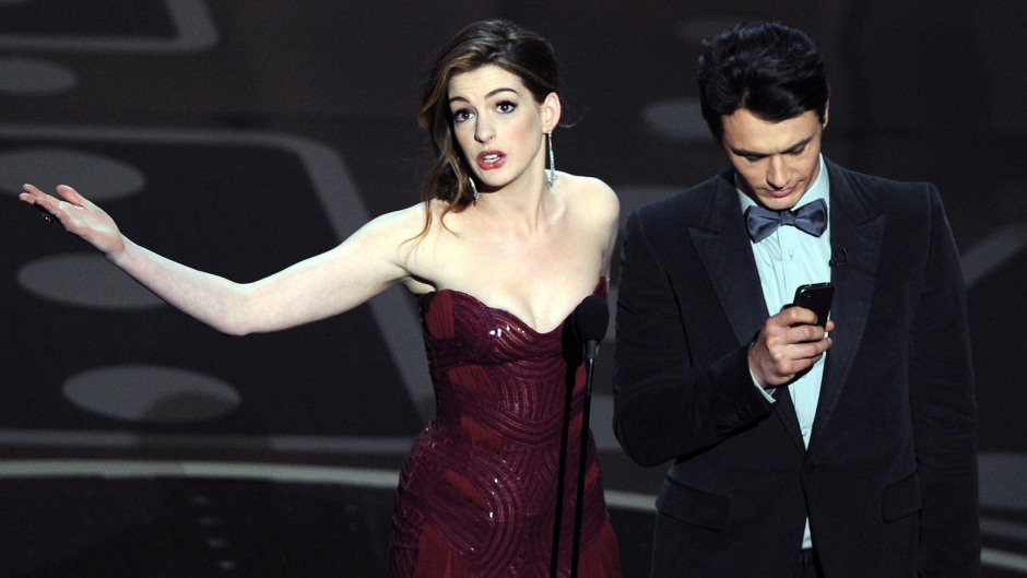 Anne Hathaway jokes about disastrous oscars hosting with james franco