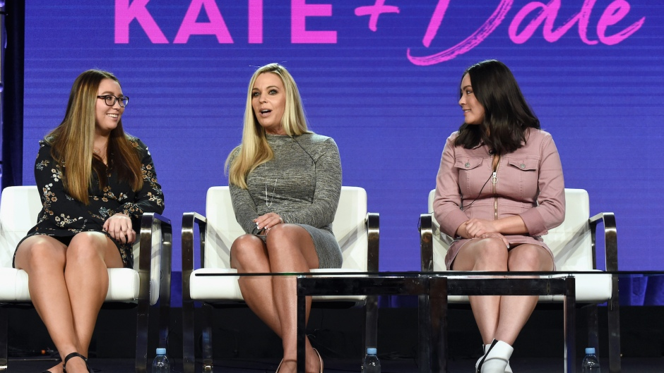 Kate Gosselin and Daughters Sit In Chairs On Stage