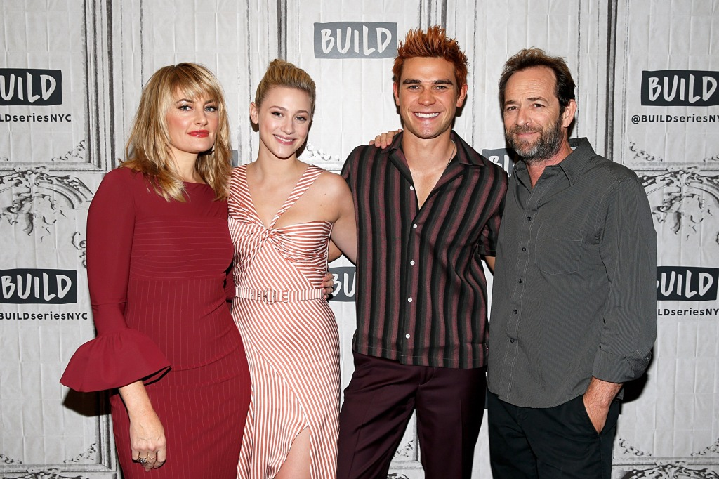Luke Perry with the Riverdale cast
