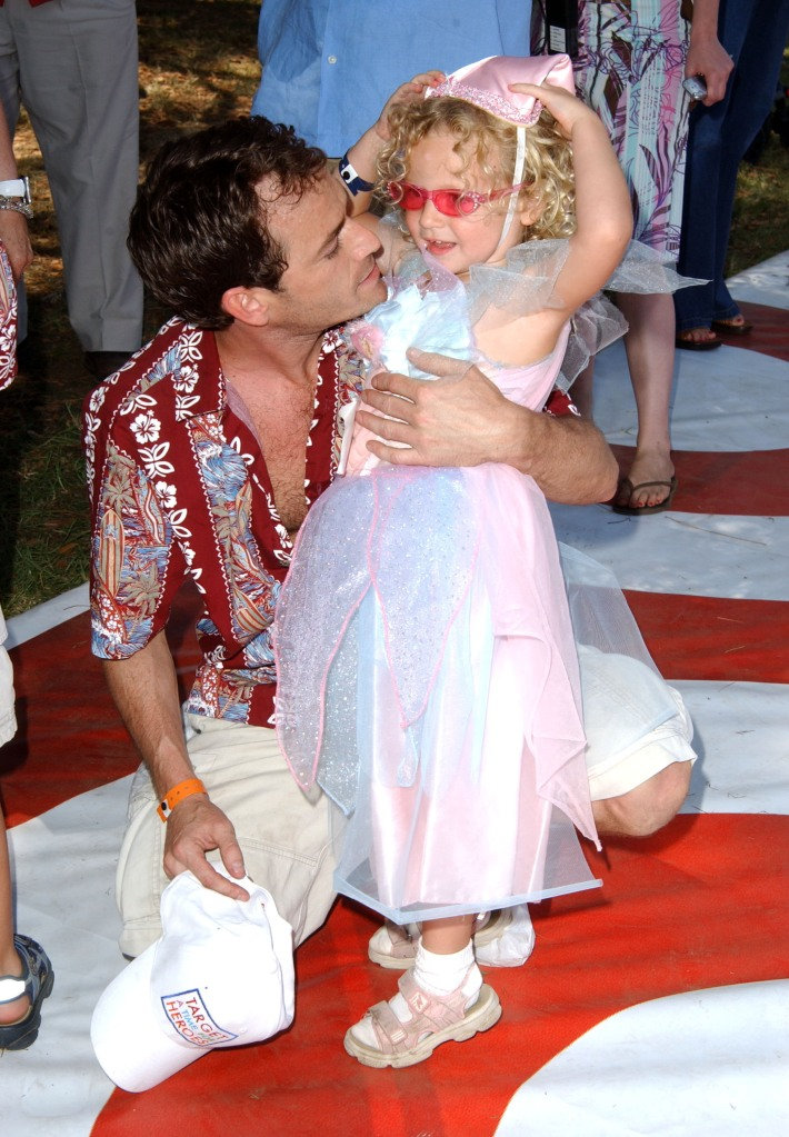 Luke Perry with his daughter