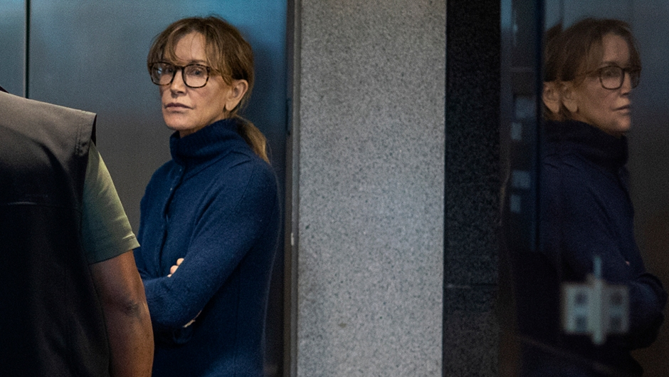 felicity huffman at court
