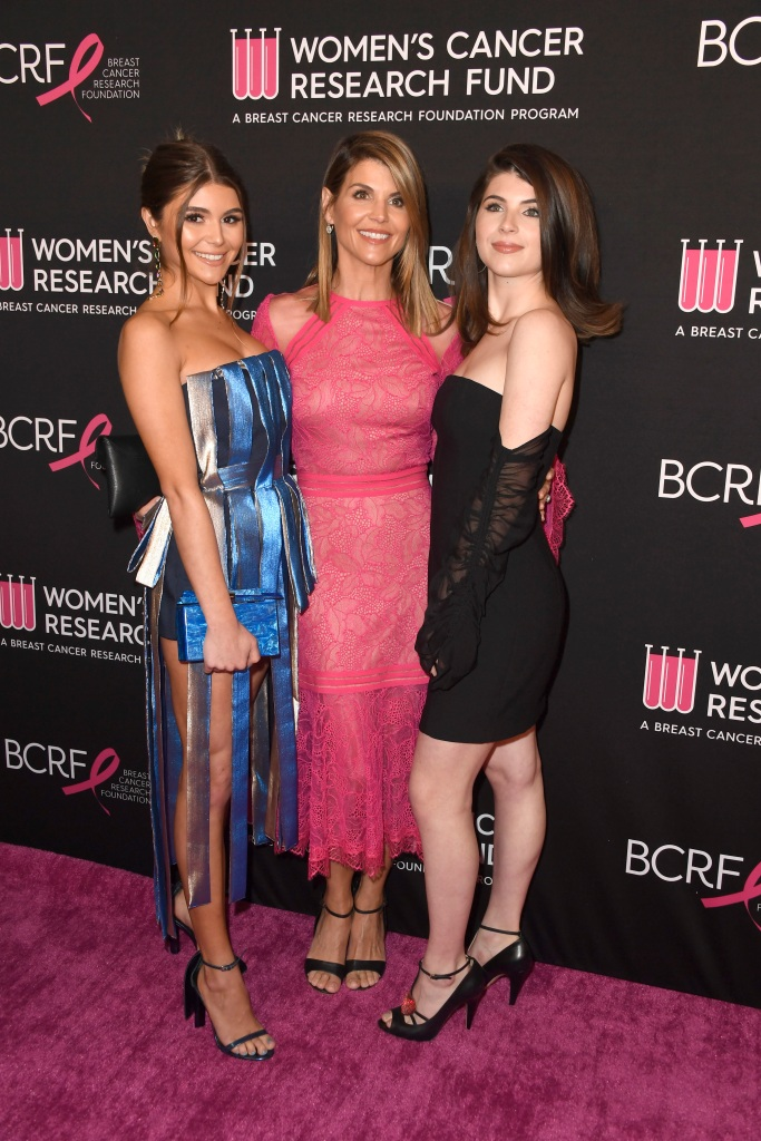 lori loughlin with her daughters
